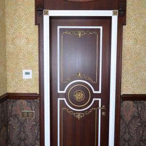 Элитные двери из массива дерева